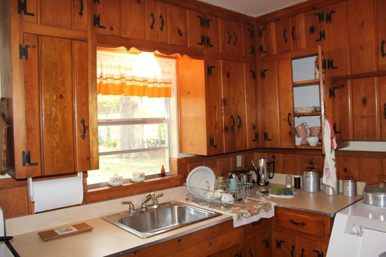 Ruth Paine House Museum: Kitchen with Original Cabinets