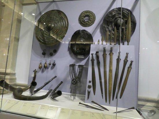 Museo Nacional de Arqueología de Irlanda: 2