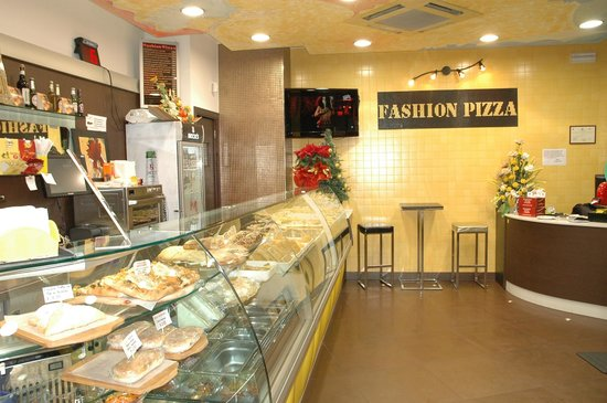 Fashion pizza steak house