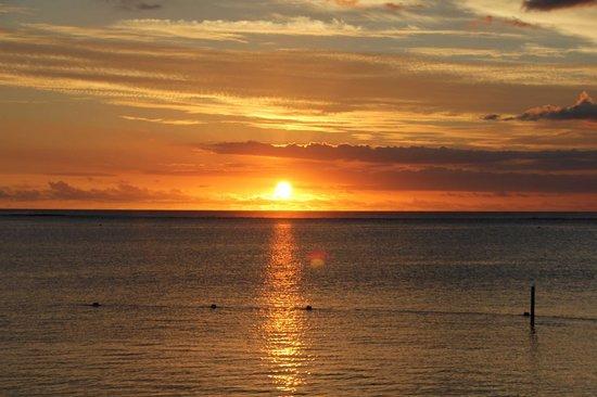 LUX* Le Morne: Coucher de soleil sur l'Océan Indien.