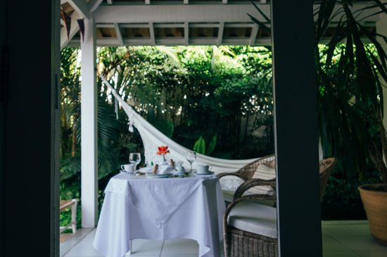 Vivenda Paraty: View of opening your doors to breakfast in the morning.