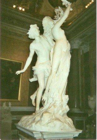 Borghese Gallery: Apollo and Daphane