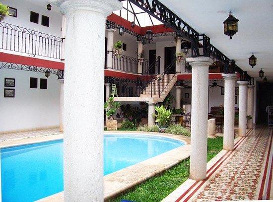hotel colonial la aurora: Aurora pool