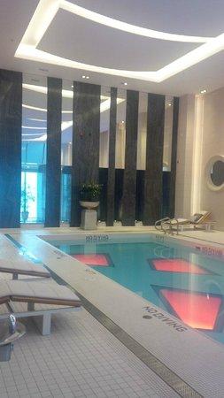 Rosewood Hotel Georgia: Pool 2