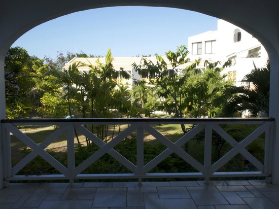 Anacaona Boutique Hotel: more of the grounds