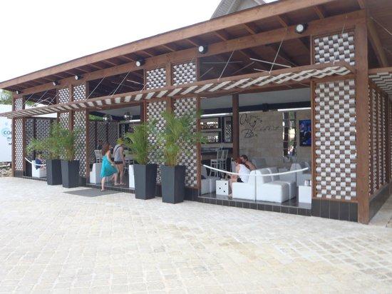 IFA Villas Bavaro Resort & Spa: Bar théatre