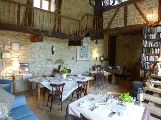 La Grande Maison d'Arthenay: The Grand Hall Dining
