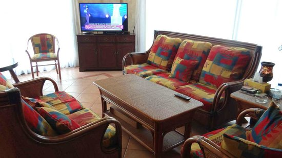 Alexia Hotel Apartments: The comfortable sitting lounge