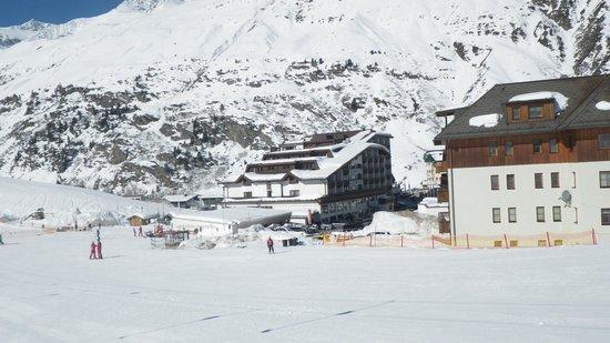 Alpen Wellness Resort Hotel Hochfirst: Blick vom Skilift auf das Hotel