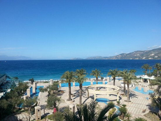 Club Hotel Loutraki : Вид из окна