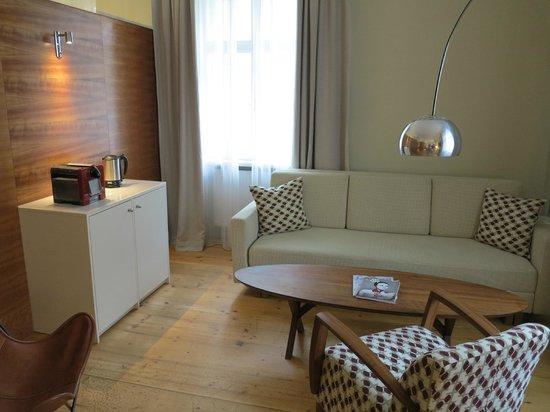 Hotel&Villa Auersperg : Sitting area in villa room
