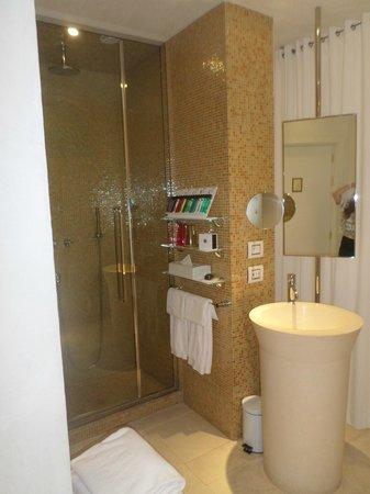 Boscolo Exedra Nice, Autograph Collection : shower area