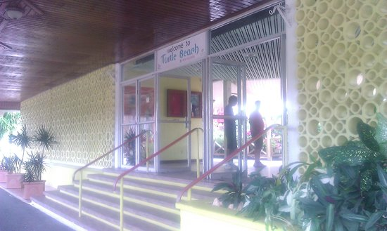 Turtle Beach by Rex Resorts : entrance to lobby