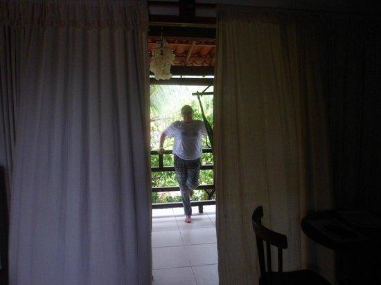 Pousada Casa do Angelo: quarto vista dentro pra fora