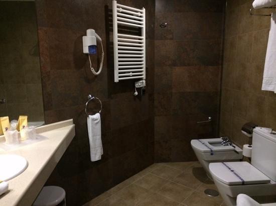 Sandos Monaco Beach Hotel & Spa: bathroom