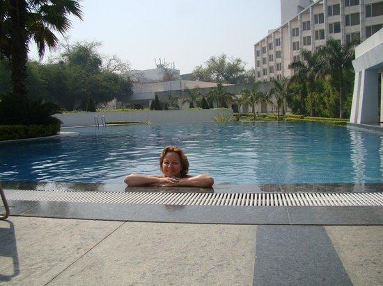 Ramada Plaza JHV Varanasi: Excelente...piscina muito limpa!
