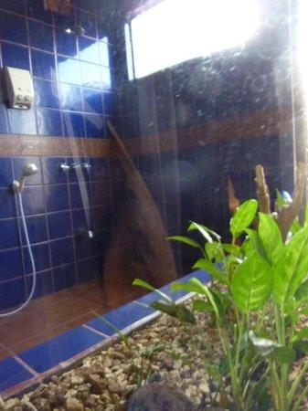 Casa Bella Rita Boutique Bed & Breakfast: cool shower