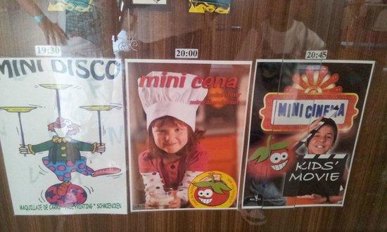 ILUNION Calas de Conil: Mini-disco,mini-cena y minicine.Una manera original de entretener a los más peques.