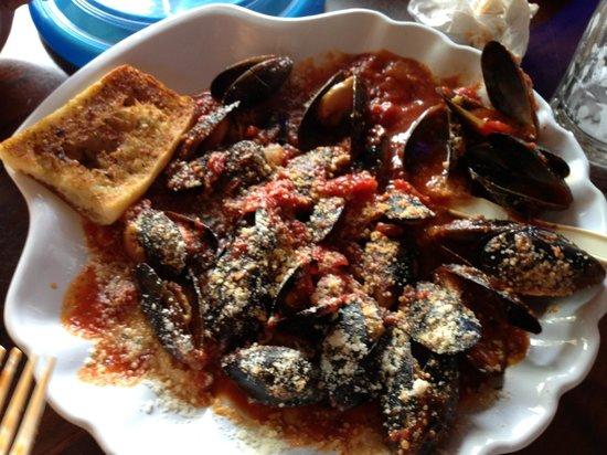 Lazy Flamingo II : Mussels Marinara - Outstanding Flavor