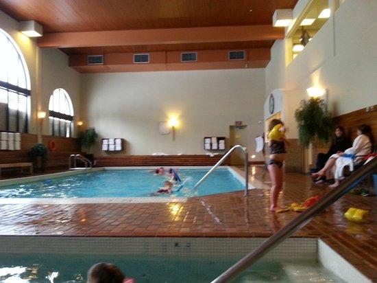 pool picture of fairmont chateau lake louise lake louise tripadvisor