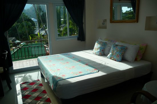 Aden Apartment Beachside Samui Lamai: Double bedroom