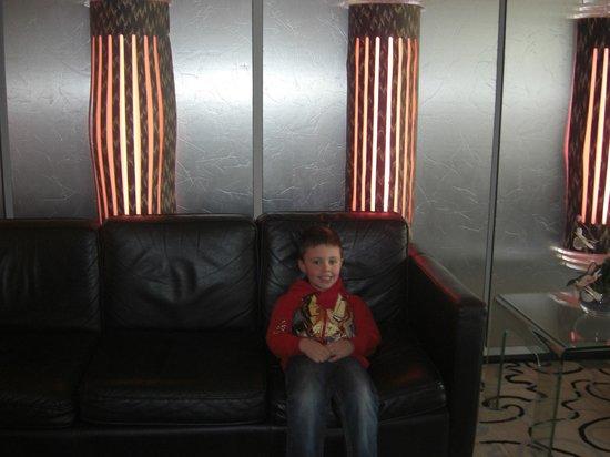 Tiffany's Hotel Blackpool: enterance
