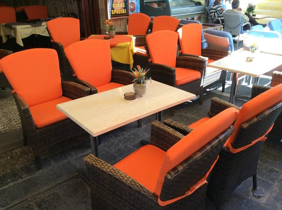 Sintrivani Restaurant: Table View