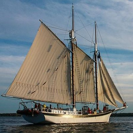Tall Ship Manitou - Day Tours: Evening on Grand Traverse Bay.