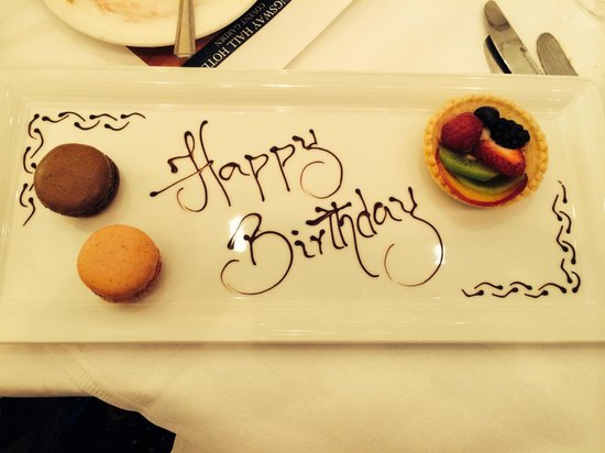 Kingsway Hall Hotel : My birthday treat! More cake!!!