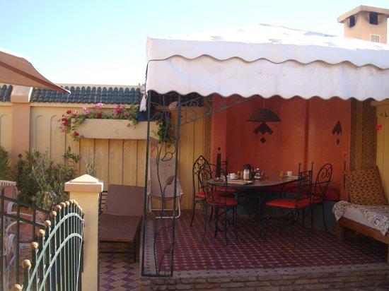 Riad Aicha Marrakech : Breakfast on the roof