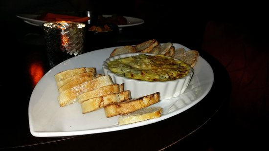 Platinum Hotel and Spa: Spinach and Artichoke dip...not so good