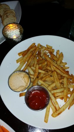 Platinum Hotel and Spa: Cajun Fries