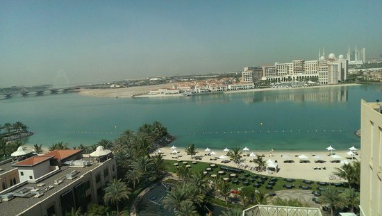 Traders Hotel, Qaryat Al Beri, Abu Dhabi: Вид из окна
