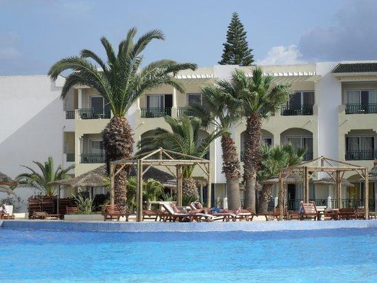 Soviva Resort : swimming pool