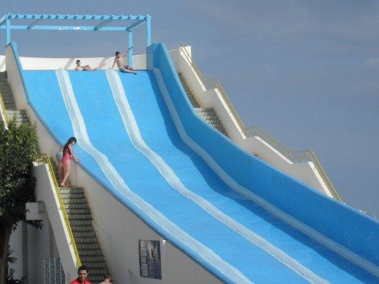 Soviva Resort : water slides
