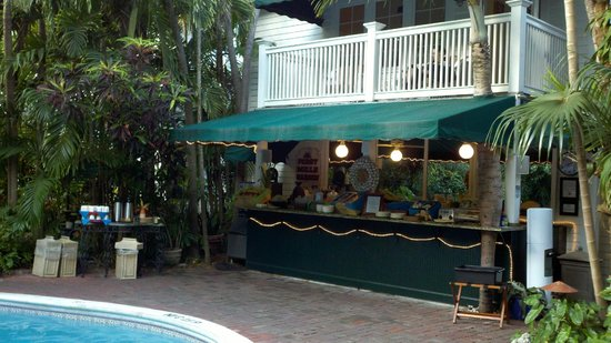 The Gardens Hotel : Poolside Bar