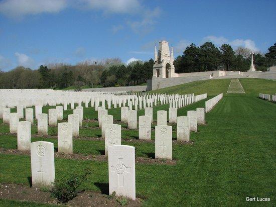 Etaples Military Cemetery : etaples