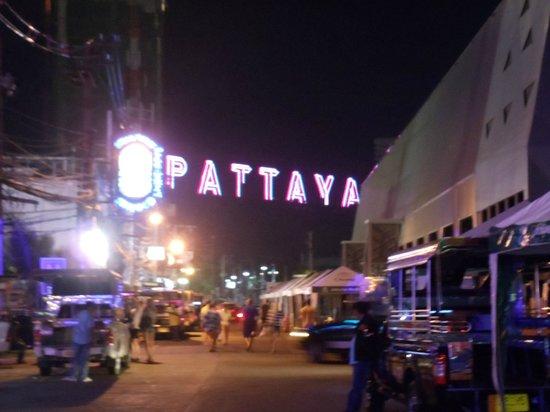 Best Beach Villa: Pattaya Walking Street