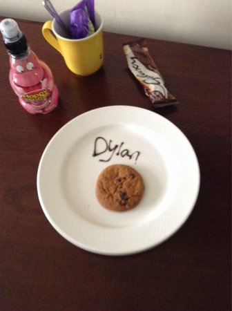North Lakes Hotel & Spa: Cookie for the little one on arrival!!