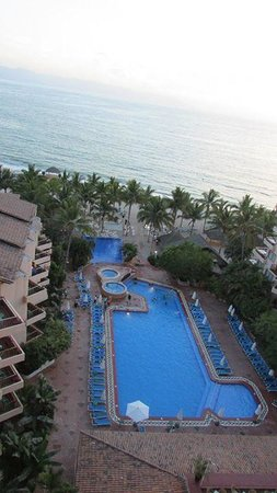 Friendly Vallarta All Inclusive Family Resort: pool view