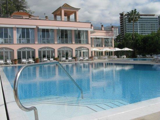 Belmond Reid's Palace: Pool area