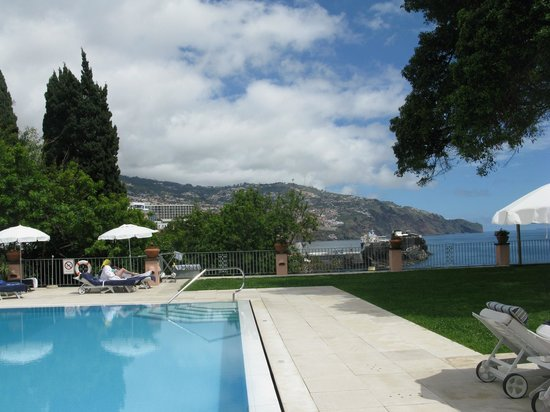 Belmond Reid's Palace : View from Pool