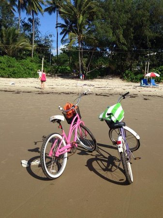 By The Sea Port Douglas : Free bike hire