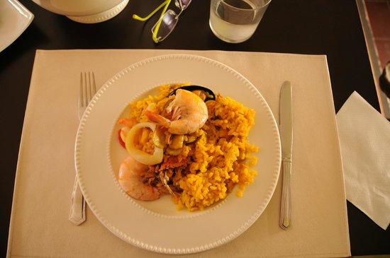 Restaurante La Farola: Paella de marisco