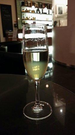 Hotel Rheingold : Begrüßungscocktail an der Hotelbar