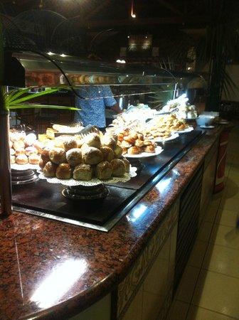 Royalton Hicacos Varadero Resort & Spa: Buffet