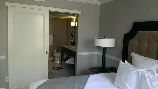 The Oliver Hotel: Room 2