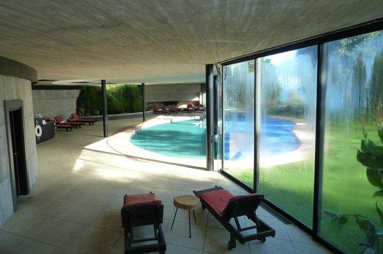 Hotel Antumalal: Das Innen- und Außenschwimmbad