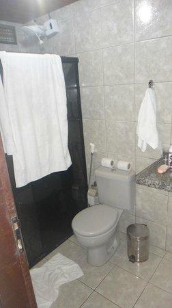 EcoCharme Pousada do Marcilio: banheiro