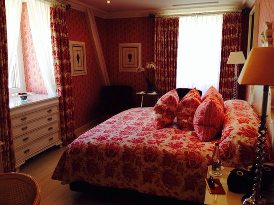 Hotel d'Angleterre: Another shot of the most beautiful hotel room ever!
